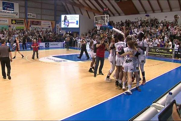La joie des filles du TGB ce jeudi soir après leur victoire face à Bourges.