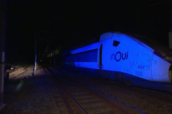 Un TGV bloqué toute la nuit en pleine voie