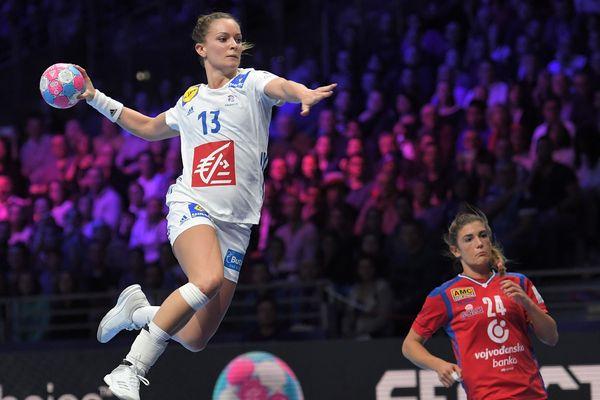 La sarthoise Manon Houette (photo) a activement participé à la victoire des Bleues face à la Serbie hier soir à Nantes dans l'Euro féminin de handball