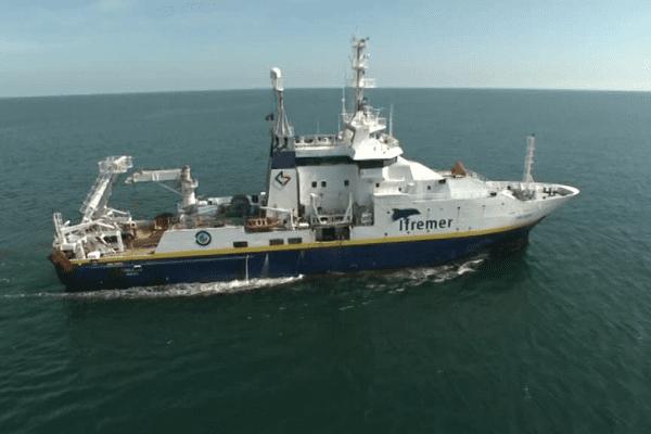 La Thalassa en mission dans le golfe de Gascogne