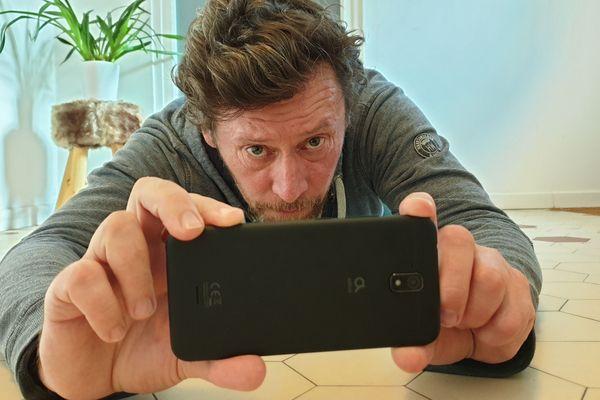 """Le tournage de """"première ligne"""" réalisé par Francis Renaud, avec un téléphone"""