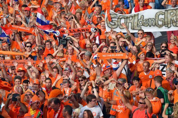 """Une marée """"Oranje"""", le 25 juin à Rennes."""