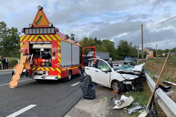 L'accident s'est déroulé à un carrefour réputé dangereux sur la RN88 sur la commune de Montrozier dans l'Aveyron
