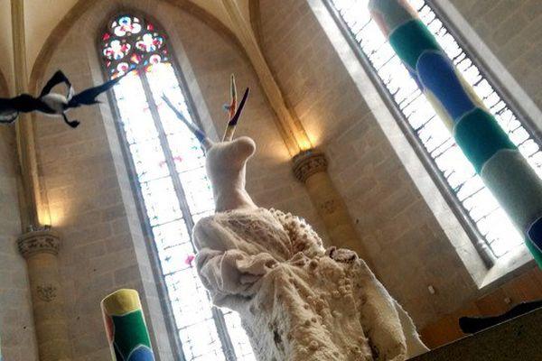 """L'une des créations de l'exposition ' Verdures feutrées""""  présentée à l'église du Château à Felletin."""