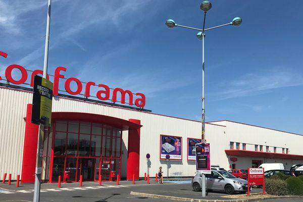 Le Conforama de Saint-Memmie fait partie des 32 magasins du groupe qui fermeront en 2020