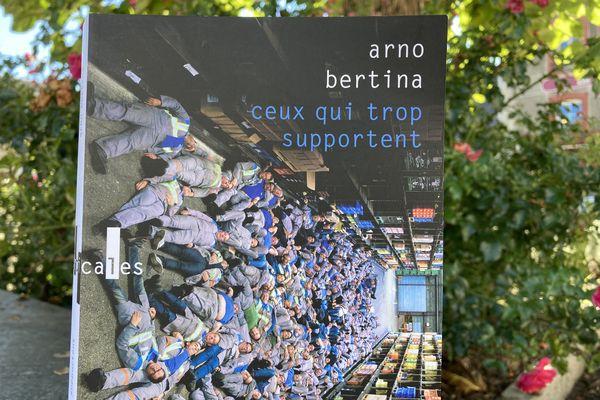 Dans son ouvrage, Arno Bertina, reconstitue la chronologie de cette lutte en agençant les témoignages récoltés au fur et à mesure des années.
