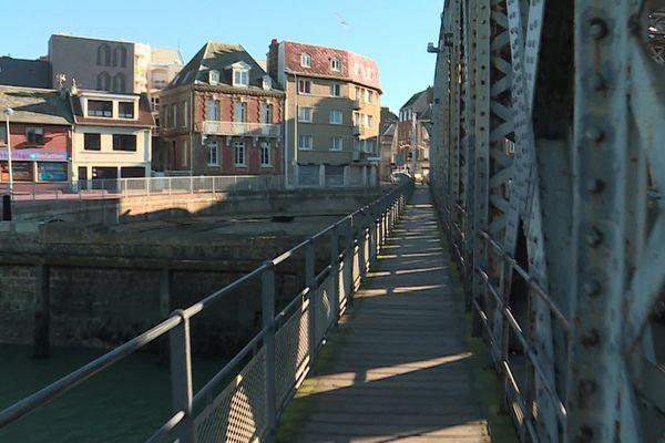 Dieppe : le quartier du Pollet vu du pont Colbert
