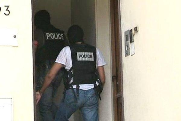 Des policiers enquêtent sur la filière Cannes-Torcy (Archives)