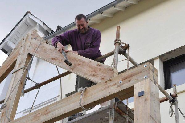 Jean-Luc Pottelle travaille depuis 4 ans sur la création d'un habitat partagé pour seniors sur la commune de Pleyben (Finistère).