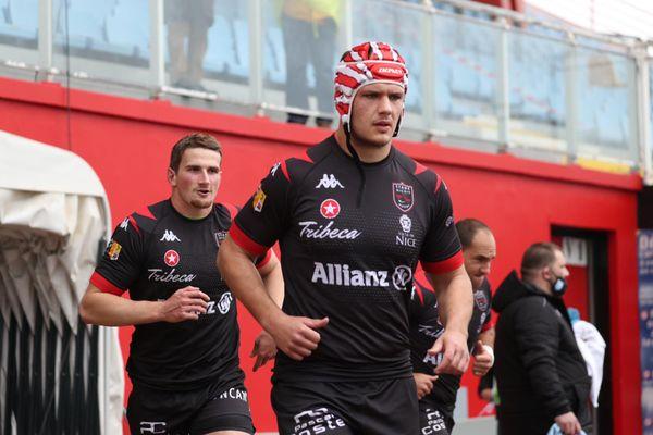 Le monde du rugby, en France et à l'étranger, se mobilise pour James Lasis, gravement blessé.