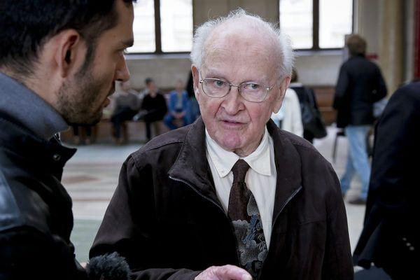 Robert Faurisson est décédé à Vichy à l'âge de 89 ans (sur la photo, au tribunal de Paris le 21 juin 2016)