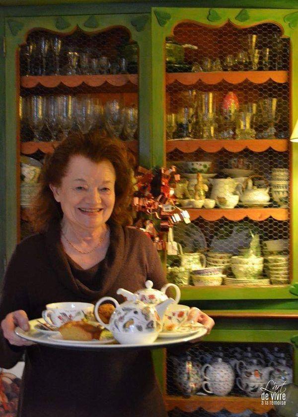 Annie Fresson aimait recevoir dans sa boutique L'Artisanie et servir le thé et les cakes à la lavande.