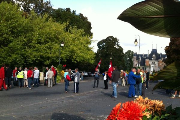 150 personnes ont manifesté ce matin à St.-Florent-sur-Cher (Cher) contre le projet gouvernemental de réforme des retraites,
