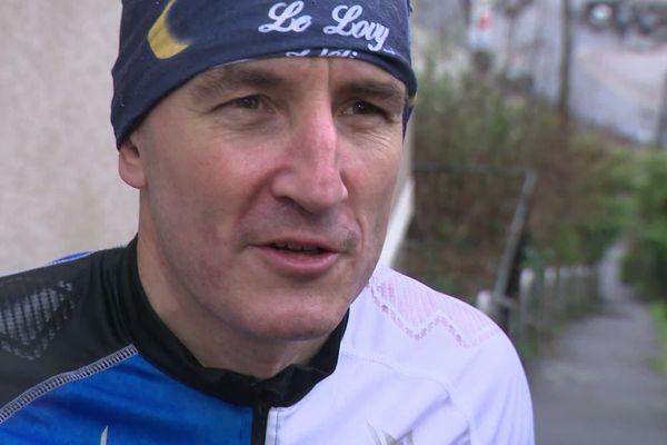Sébastien Ailloux part concourir pour la Verticale de la Tour Eiffel, mercredi 11 mars prochain.
