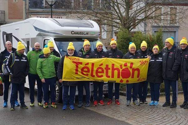 Les coureurs partent en pleine nuit de Péronne pour parcourir 1 000 kilomètres au profit du Téléthon.
