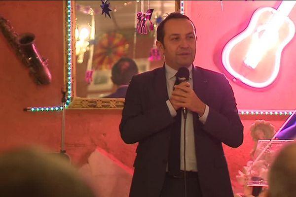 le porte-parole du Front National est intervenu dans un restaurant de Givors