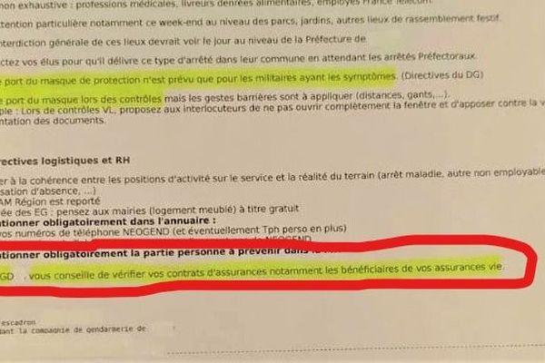 """""""Vérifiez les bénéficiaires de vos assurances vie"""", le conseil fait froid dans le dos, lancé par un groupement de gendarmerie, il émane d'un document officiel, une directive interne publiée le vendredi 20 mars que la rédaction de France 3 Rhône-Alpes a pu nous procurer."""