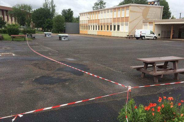 Le collège de Mansle en Charente va rester fermé ce lundi après une inondations due aux fortes pluies de la nuit de dimanche à lundi.
