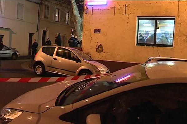 La fusillade a eu lieu dans un bar à la Calade, dans les quartiers nord de Marseille.