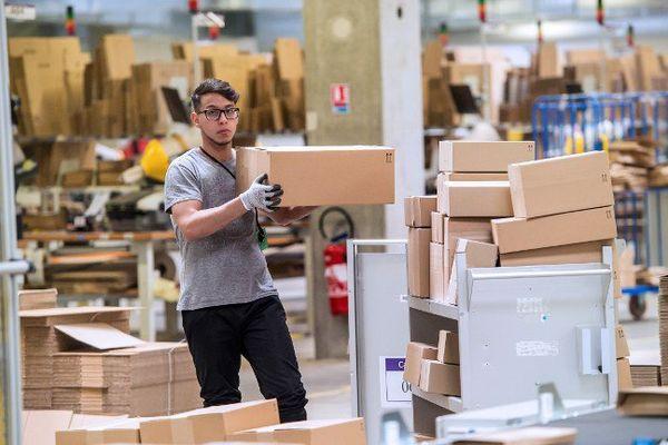 Les entrepôts d'Amazon, à Lauwin-Planque
