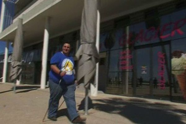 Grâce à une intervention médiale, ce jeune homme a perdu 27 kilos en moins de deux mois