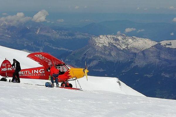 Un avion de tourisme suisse s'est posé illégalement au pied du Mont-Blanc, mardi 18 juin.