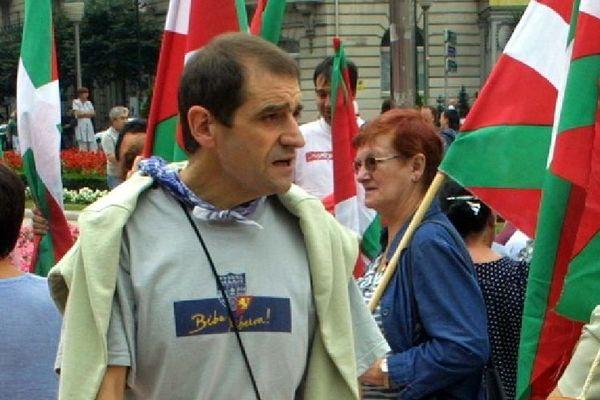 Josu Ternera lors d'une manifestation en août 2002.