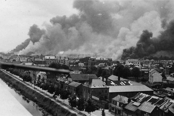 Le bombardement de Rennes le 17 juin 1940. Au fond les fumées sur le quartier de la gare.
