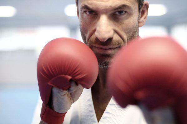 Christophe Pinna karatéka français, champion de France, d'Europe et du monde de karaté souhaite participer aux prochains jeux olympique.