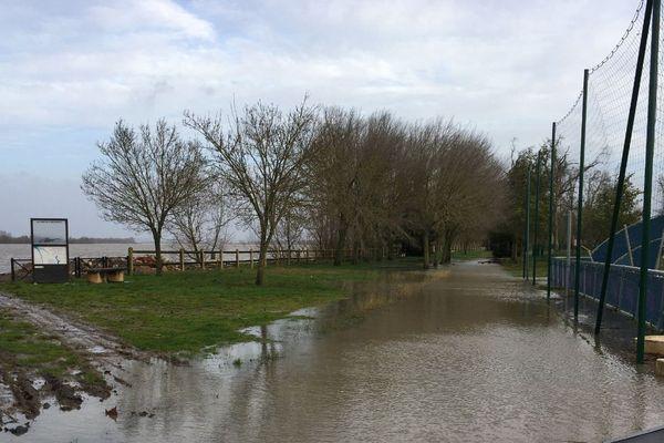 Inondations des berges de Saint-Louis de Montferrand le 13 décembre 2019.