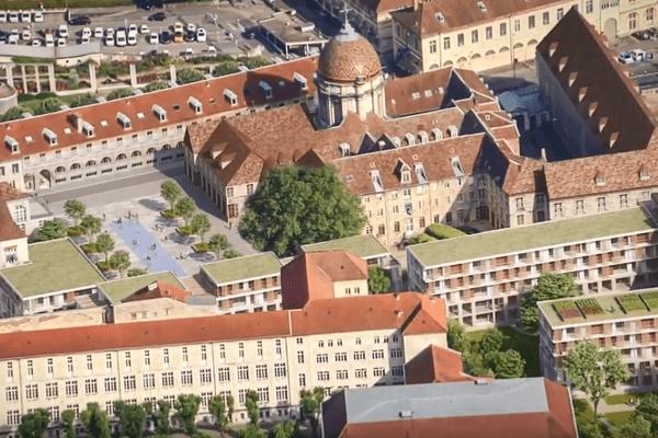 Le futur site des cours Saint-Jacques de Besançon, à la place de l'ancien hôpital, devrait regrouper logements, commerces, bureaux et une grande bibliothèque.