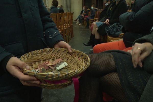 Avec la crise sanitaire et la baisse des dons financiers lors des offices religieux, le diocèse d'Amiens a perdu 40% de ses recettes.