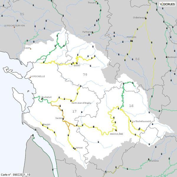 Seul le tronçon de la Charente-Aval, dans le secteur de Saintes, en Charente-Maritime, reste encore en vigilance orange.
