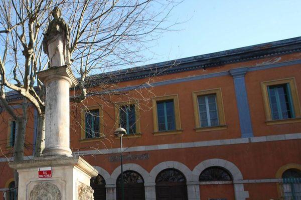 La mairie de Brignoles.