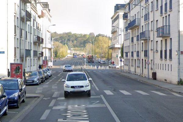 Passage piéton rue de la Victoire à Tours : lieu de l'accident mortel du vendredi 22 mai.