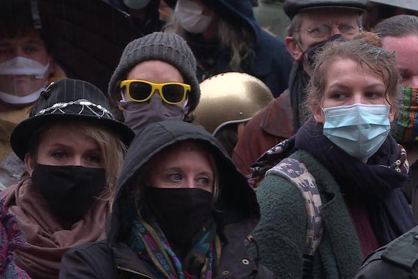 200 personnes du monde du spectacle et de la culture manifestaient ce jeudi 4 février devant le musée des Beaux Arts de Rouen.