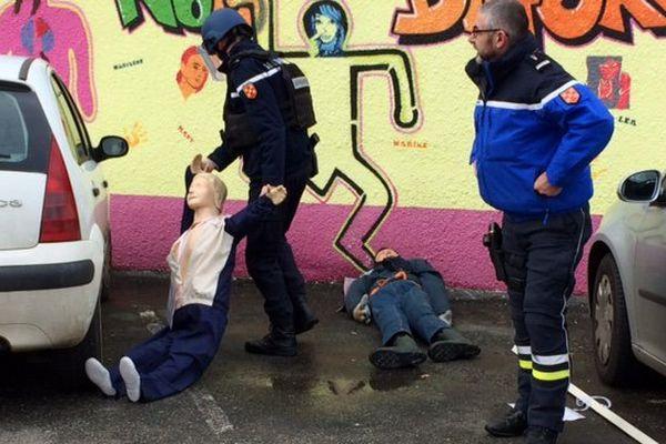 L'exercice attentat-intrusion au lycée Pierre-André Chabanne à Chasseneuil-sur-Bonnieure en Charente.