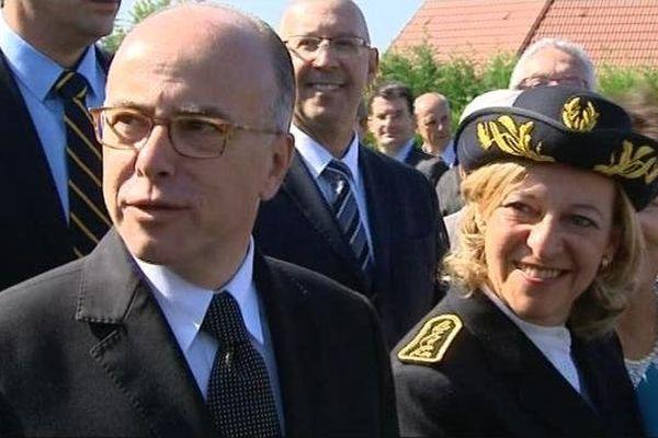 Bernard Cazeneuve, ministre de l'Intérieur, a été accueilli notamment par Michèle Kirry,préfète de la Nièvre