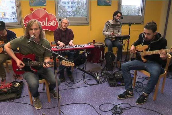 Le groupe FAKE en concert à l'Espace Malraux de la Grâce de Dieu à Caen le 14 février 2018.