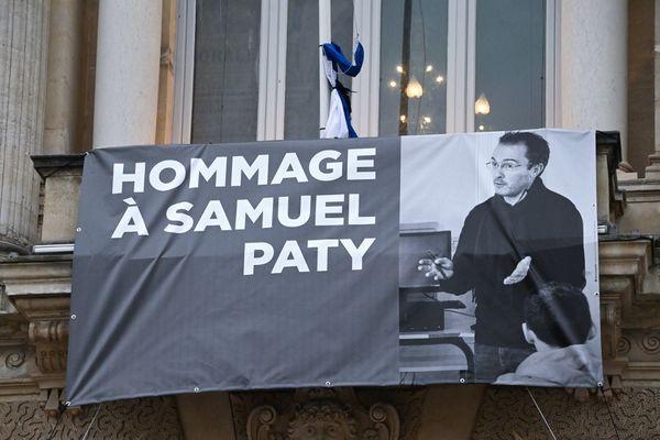 Les hommages se sont multipliés après l'assassinat de l'enseignant.