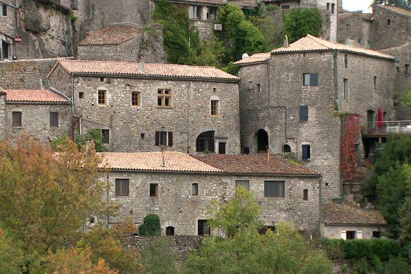 Le Village de Balazuc, situé en Ardèche.