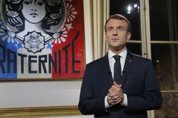 Le président de la République, Emmanuel Macron, adresse ses vœux aux Français depuis l'Elysée, le 31 décembre 2018.