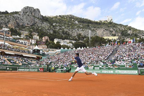 Le 19 avril, Novak Djokovic a battu Gilles Simon en trois manches 6-3, 3-6, 7-5