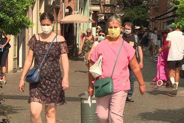 Beaucoup de monde dans les rues de la cité épiscopale cet été, d'où la demande de la maire.