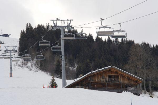 La station de la Clusaz, en Haute-Savoie, à l'arrêt pour les vacances de Noël à cause de la pandémie de Covid-19.