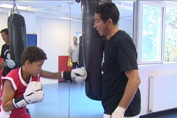 Le parcours de Tony Yoka aux JO fait rêver Louay, 12 ans, qui s'entraîne au Boxing club de Limoges avec Michel Otmane