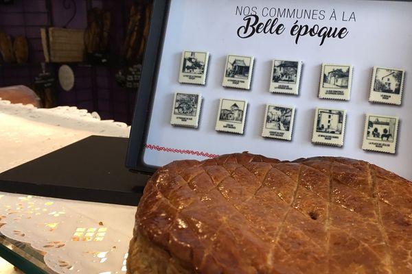 Pour l'épiphanie, des cartes postales anciennes sont reproduites sur les fèves de la boulangerie de Gençay dans la Vienne.