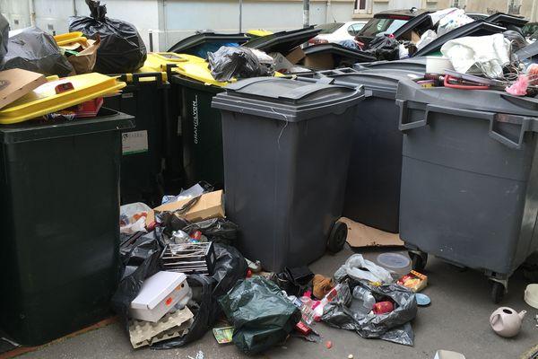 Le contrat avec la métropole prévoit une taxe de 20 euros par poubelle non ramassée selon la Métropole