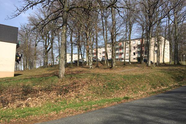 A la cité le Petit Bois à Bourganeuf (Creuse), la moitié des bâtiments du quartier sera bientôt détruit.