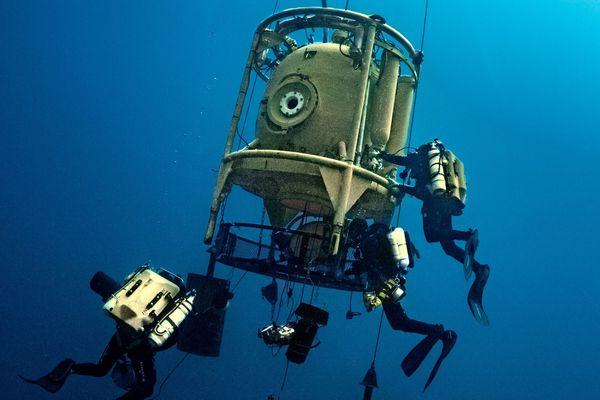 La tourelle qui permet aux plongeurs de sortir en autonomie de la station de vie.